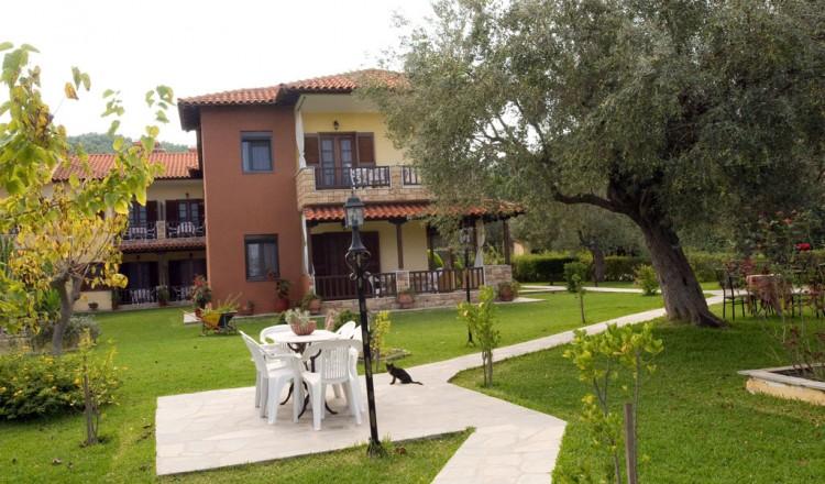 Litsa Panagi Studios and Apartments | Vourvourou