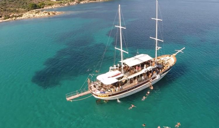 Blue Lagoon from Ormos Panagias
